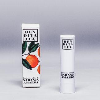 Baume à lèvres à l'orange amère et aloe vera Bendita Luz. Elaboré avec des produits naturels, protège, nourrit et répare les lèvres gercées, sèches ou abîmées