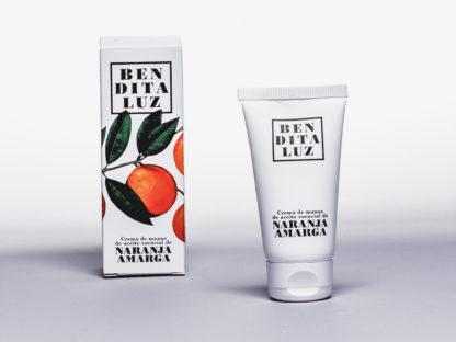 Crème pour les mains à l'orange amère de Séville, notamment enrichie en beurre de Karité, cette crème Benditaluz est non grasse protège et régénère l'épiderme