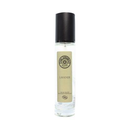 L'Eau de toilette Lavande bio de Solaroma vous séduira par son parfum floral, souvenir inoubliable des plus beaux champs de lavande méditerranéens.