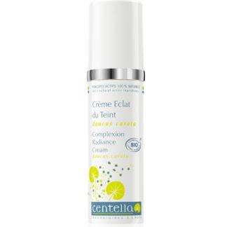 La Crème bio éclat du teint visage éclatant contribue à hydrater la peau et illuminer le teint; grâce à l'alliance de treize plantes, crème non grasse, chez manohi