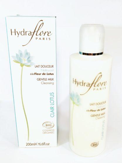Lait nettoyant Bio au Lotus Sacré Hydraflore nettoie et démaquille le visage. Convient à toutes les peau 93% d'ingrédients issus de l'Agriculture Biologique